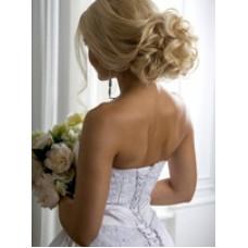 Свадебный стилист. Свадебные прически+визаж!